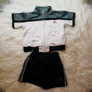 Boys Nike/Jordan short Set.